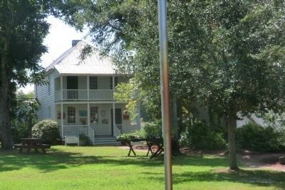 Beaufort Historic Site-Josiah Fisher Bell House image. Click for full size.