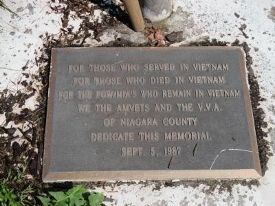 Lockport War Memorial Vietnam Satellite Plaque image. Click for full size.