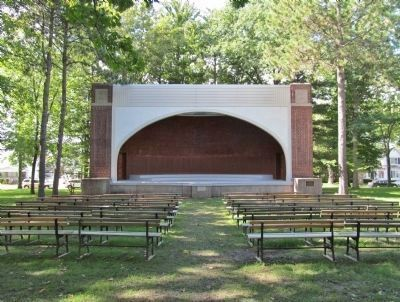 Columbia Park Band Shell image. Click for full size.