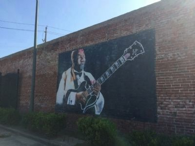 Nearby mural of half-brother B.B. King (across park) image. Click for full size.