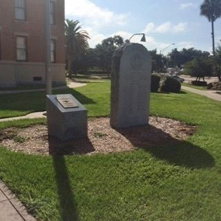 Citrus County Veterans Memorial image. Click for full size.