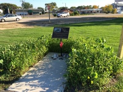 Maureen Mengelt Memorial Marker, old location image. Click for full size.