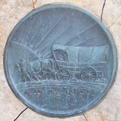 Oregon Trail Memorial Medallion image. Click for full size.