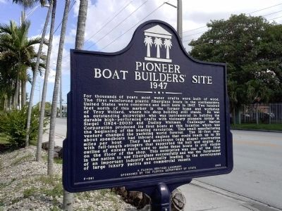 Pioneer Boat Builders' Site Marker image. Click for full size.