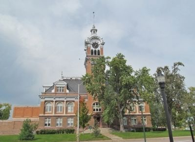 Lincoln County Courthouse image. Click for full size.