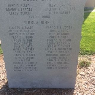 World War I and World War II Memorial Marker image. Click for full size.