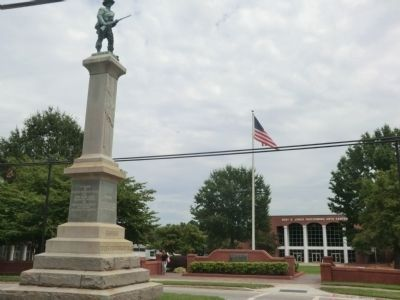 Franklin's Confederate Soldiers Monument image. Click for full size.