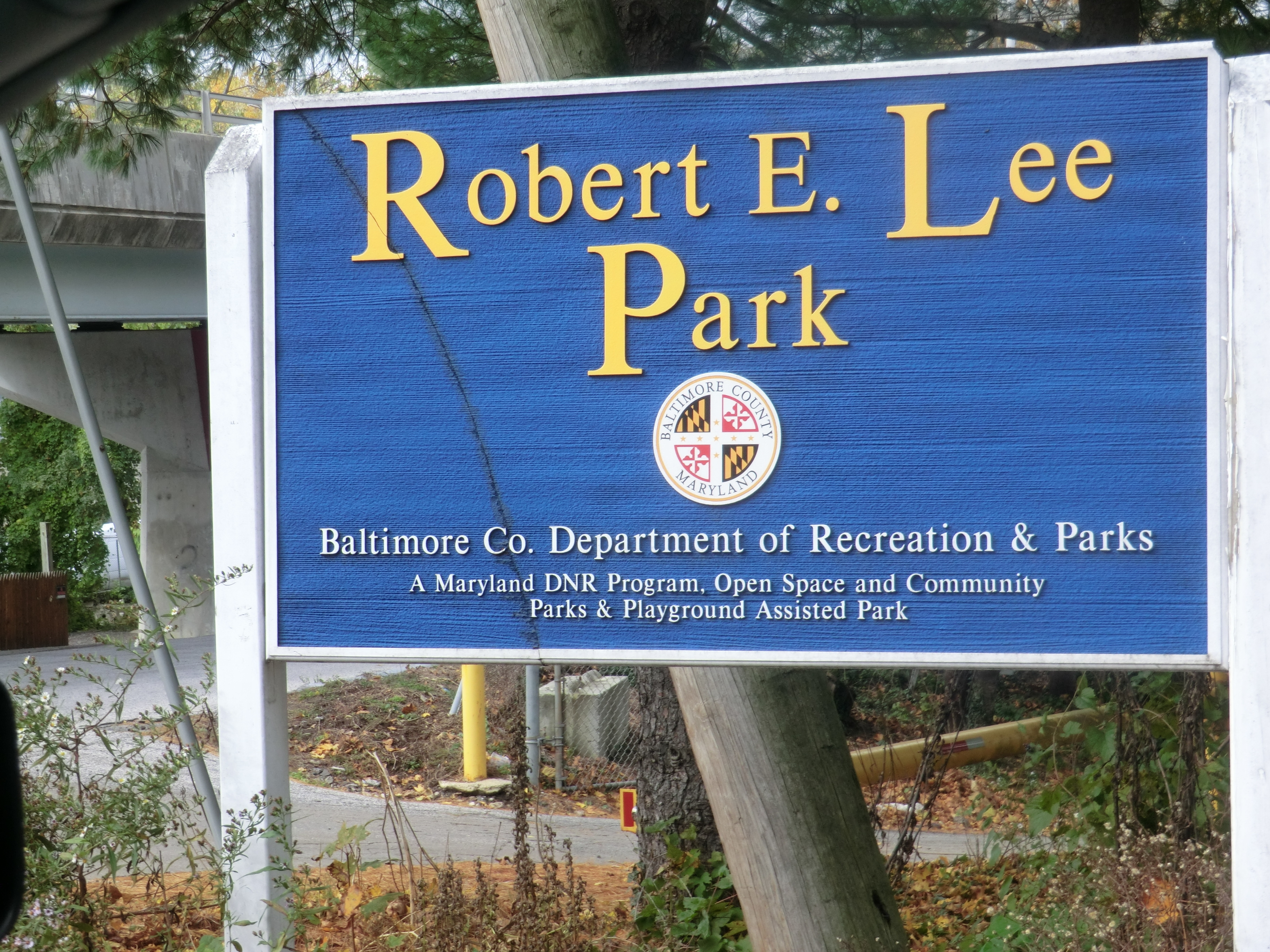 Sign at the entrance to the park