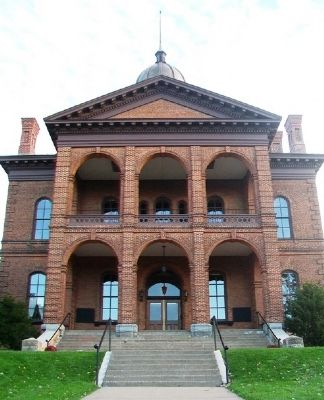 Former Washington County Courthouse image. Click for full size.