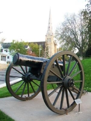 Civil War Flank Howitzer and Marker image. Click for full size.