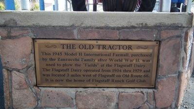 The Old Tractor Marker image. Click for full size.