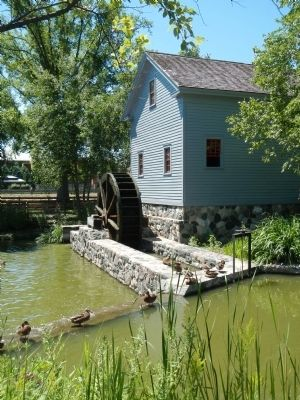 Loranger Gristmill image. Click for full size.