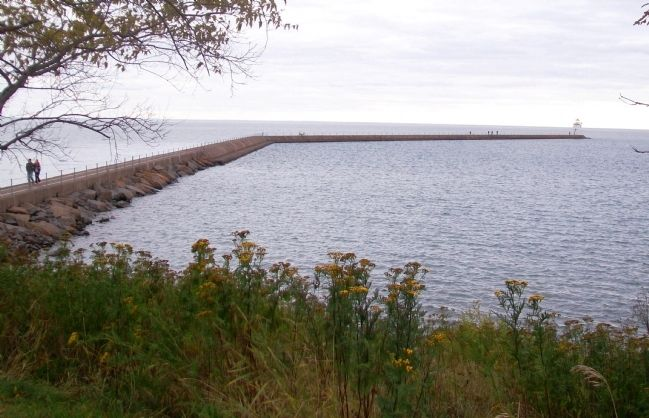 Two Harbors Breakwater image. Click for full size.