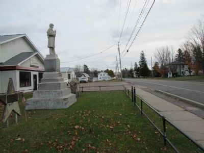 Bangor Civil War Memorial - Eastward on US 11 image. Click for full size.