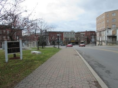 Southward on Elm Street - NY 30 image. Click for full size.