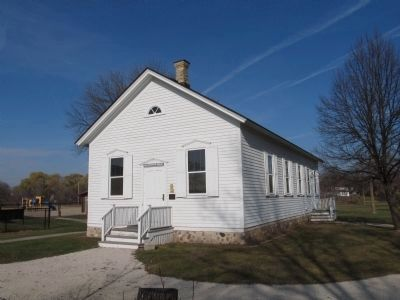 Little White Schoolhouse image. Click for full size.