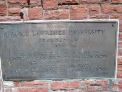 Larger Plaque along walkway to Richardson Hall image. Click for full size.