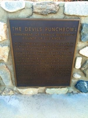 The Devil's Punchbowl Marker image. Click for full size.