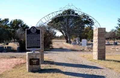 Main Entrance of Lueders Cemetery image. Click for full size.