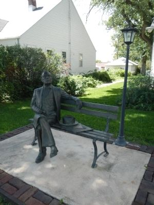 George W. Norris statue image. Click for full size.