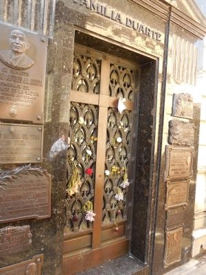 Front of Evita Peron's tomb image. Click for full size.