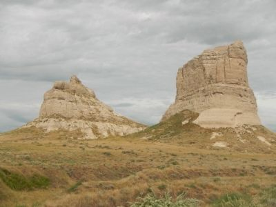 Courthouse and Jail Rocks image. Click for full size.
