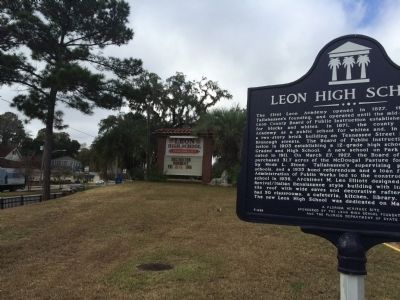 Leon High School Marker looking west on Tennessee Street image. Click for full size.