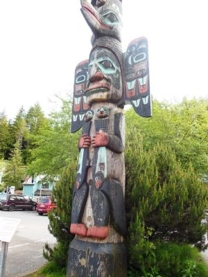 Chief Johnson Totem Pole (<i>detail view</i>) image. Click for full size.