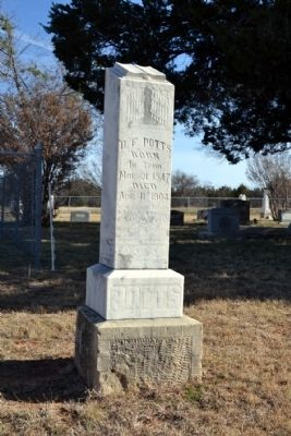 "Grave Headstone of B.F. Potts<br> ""Was a Confederate Soldier under Gen&#39;l Forrest"" image. Click for full size."