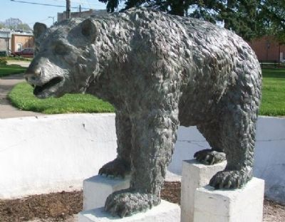 Hebron Bear Statue image. Click for full size.
