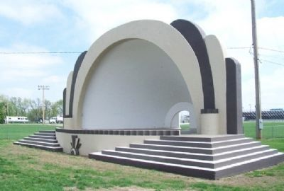 Belleville Bandshell image. Click for full size.