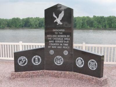 The Cassville Veterans Memorial Dedication Monument image. Click for full size.