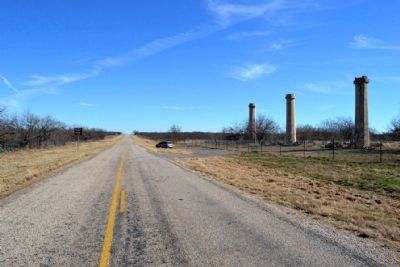 View to East Along FM 601 image. Click for full size.