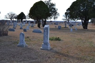 Grave Site (Center) of Lucy Brazell Snider image. Click for full size.