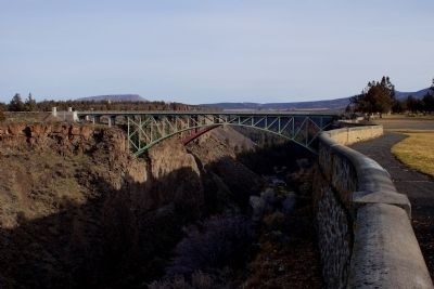 The 1926 and 2000 Crooked River Bridges from the Peter Skene Ogden Overlook image. Click for full size.