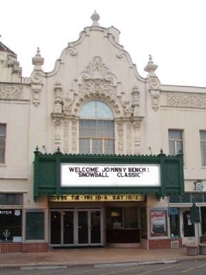 Coleman Theatre and Marker image. Click for full size.