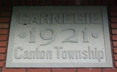 Date Stone on Last Built Carnegie Library image. Click for full size.