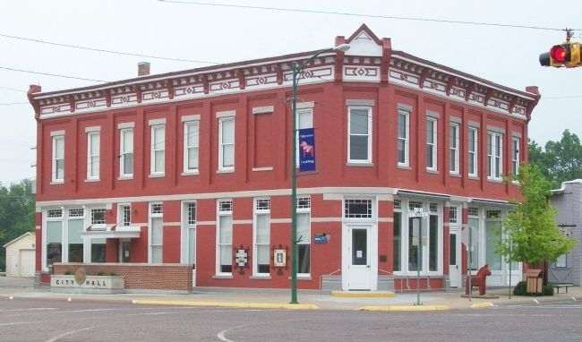 The Farmers State Bank Building and Marker image. Click for full size.