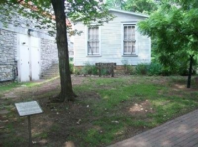 The Hartford House and Marker image. Click for full size.