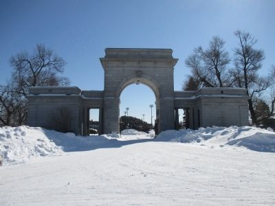 Back of Entrance Arch image. Click for full size.