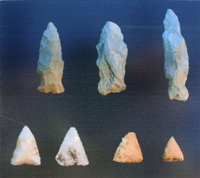 Spear points (top row) <br>and arrow heads (bottom row) image. Click for full size.