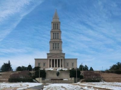 Distant shot of the George Washington Masonic National Memorial image. Click for full size.