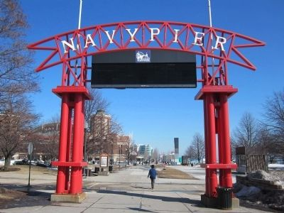 Entrance to Navy Pier image. Click for full size.