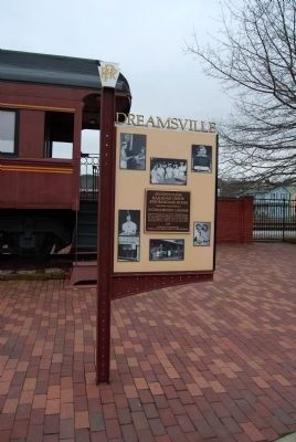 Dreamsville sign front image. Click for full size.