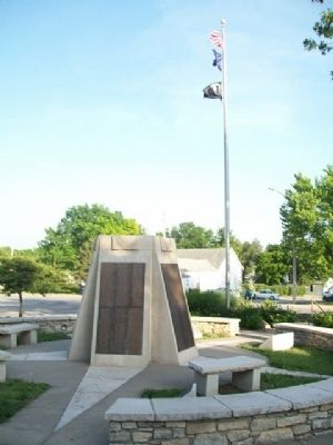 Pottawatomie County Veterans Memorial and Courthouse Flagpole image. Click for full size.