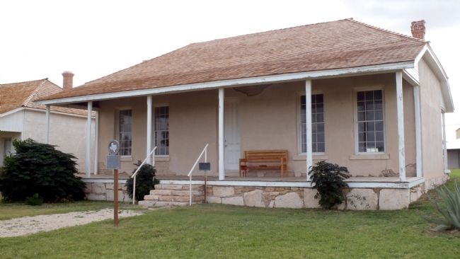 Fort Stockton Officers' Quarters and Marker image. Click for full size.