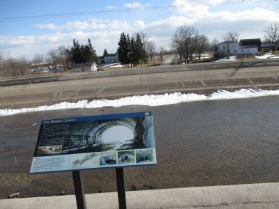 The Medina Culvert Marker - Southward image. Click for full size.