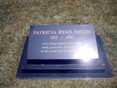 Grave Headstone of Patricia Ryan Nixon image. Click for full size.