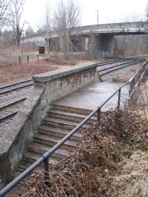Former Glyndon Railroad Station Access to Trains image. Click for full size.