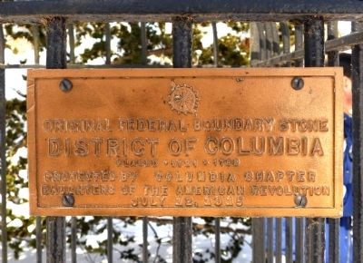Original Federal Boundary Stone NW 4 Marker image. Click for full size.